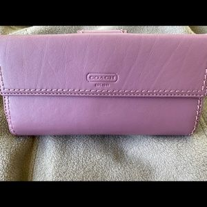 Like New Lavender Coach Wallet